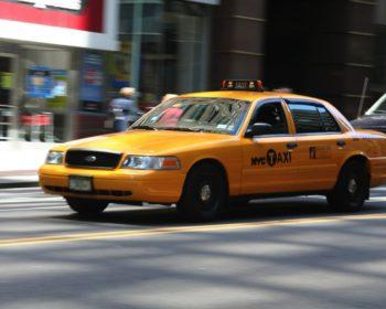 Se déplacer en taxi, metro ou shuttle